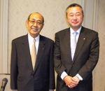 写真:左側=本庄八郎会長/右側=本庄大介社長